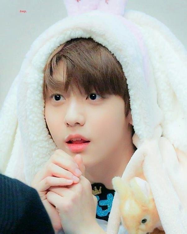 cute idol 18