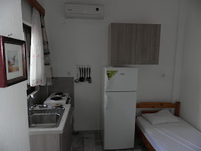 Photo: Η κουζίνα στο διαμέρισμα 13-Kichen of apartment No 13