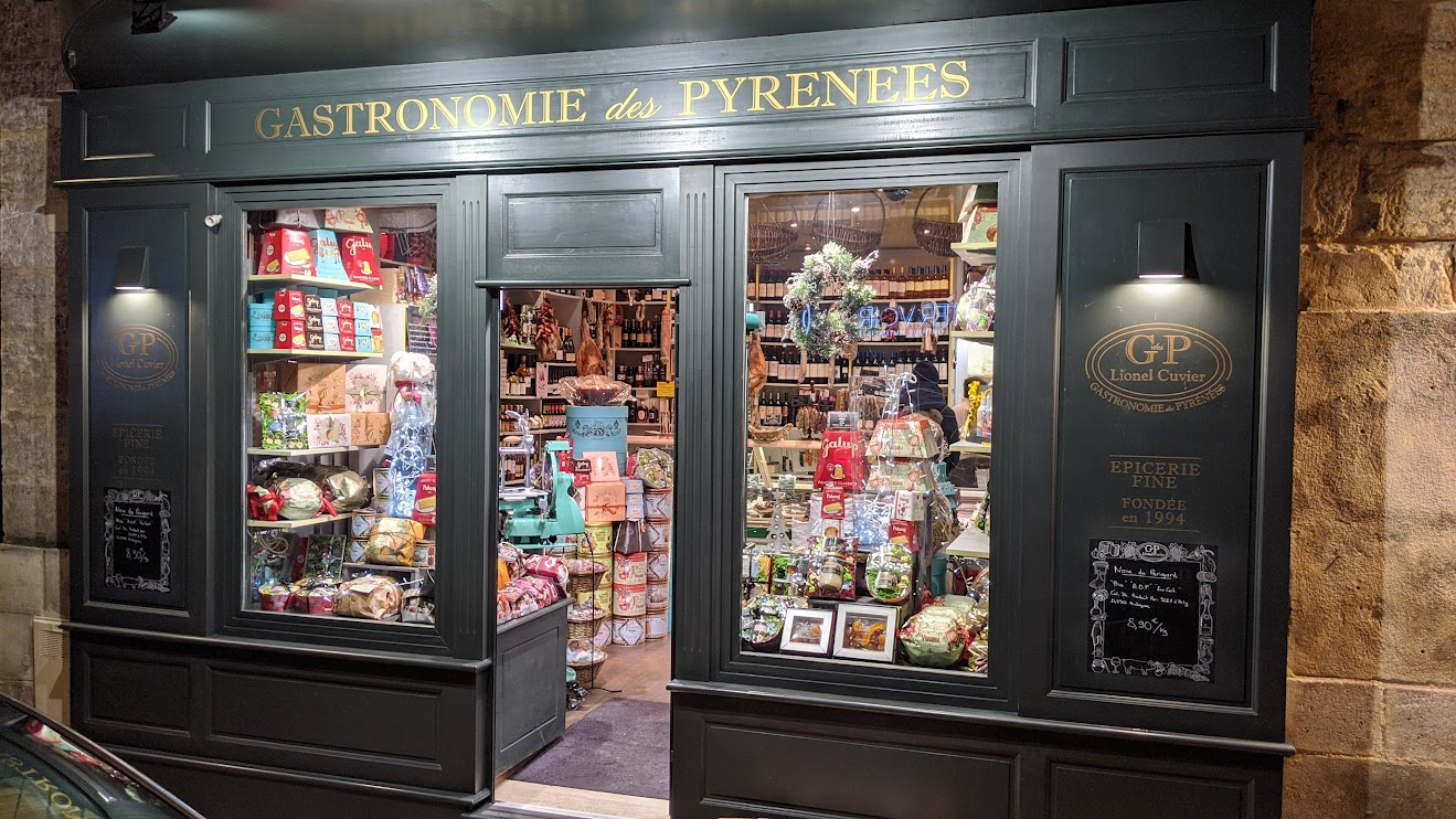 Bordeaux - Local Shop in Chartrons Neighborhood