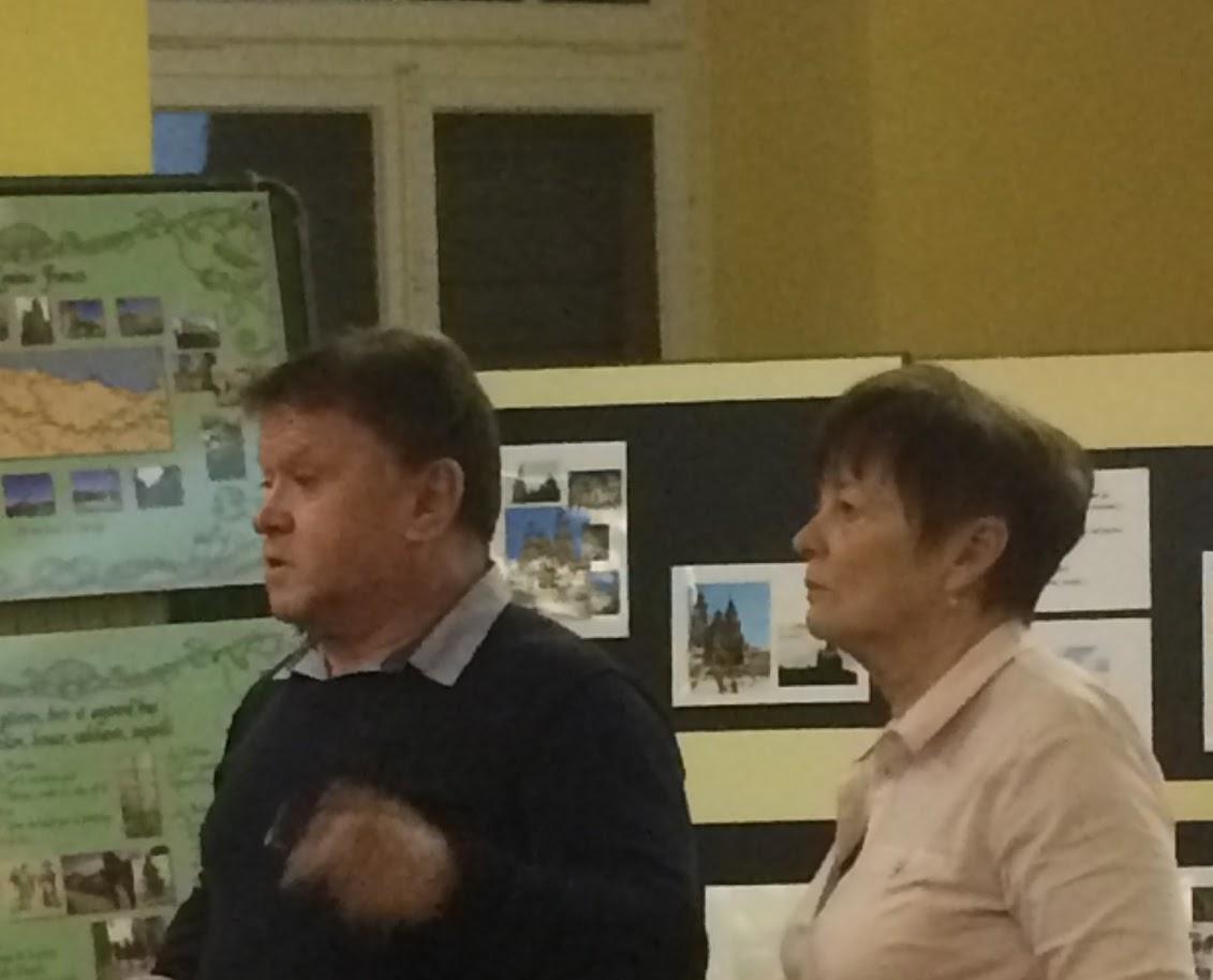 Jean-Jacques et Pierrette lors de la présentation de leur diaporama