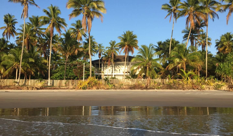Propriété avec piscine en bord de mer Itacaré