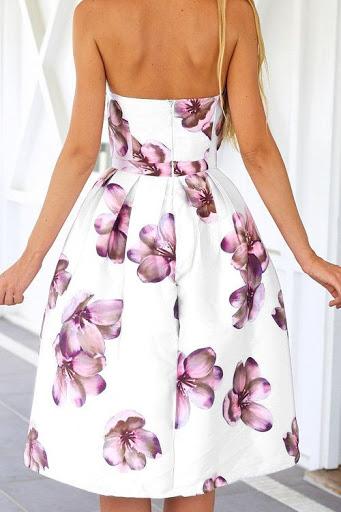 Bonito vestido estampado con escote a media espalda