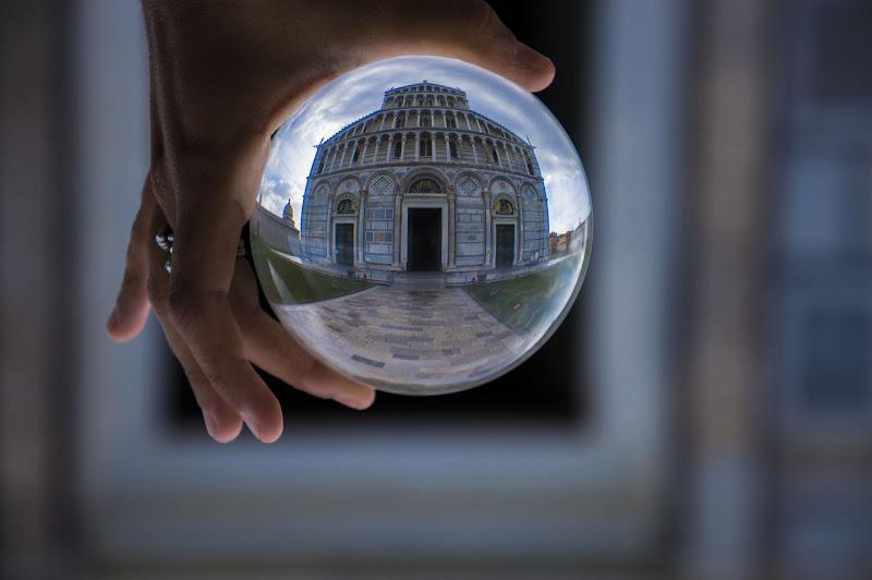 The Cathedral in a cristal ball di Matteo Luppichini