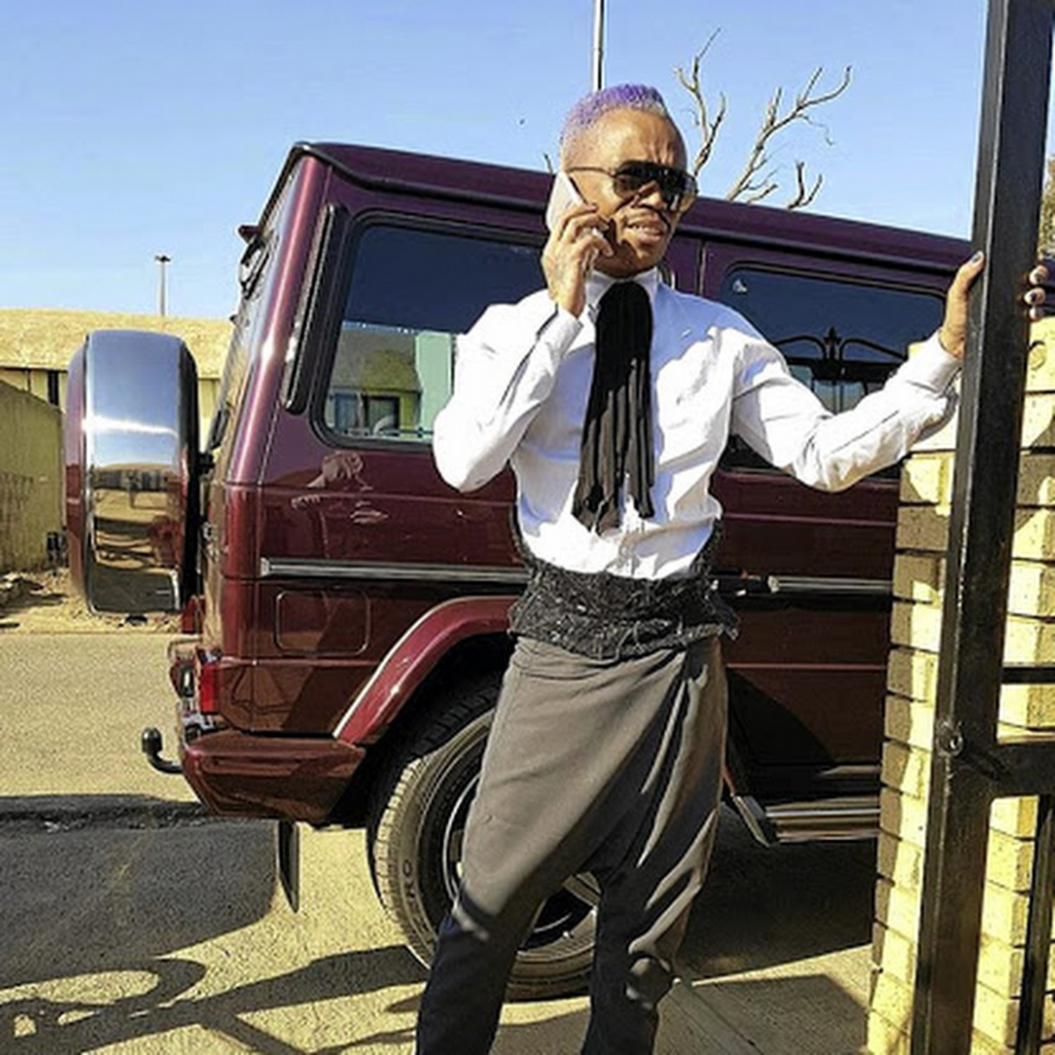 Somizi S R2m Vehicle Hijacked Its Driver Robbed Of R21000