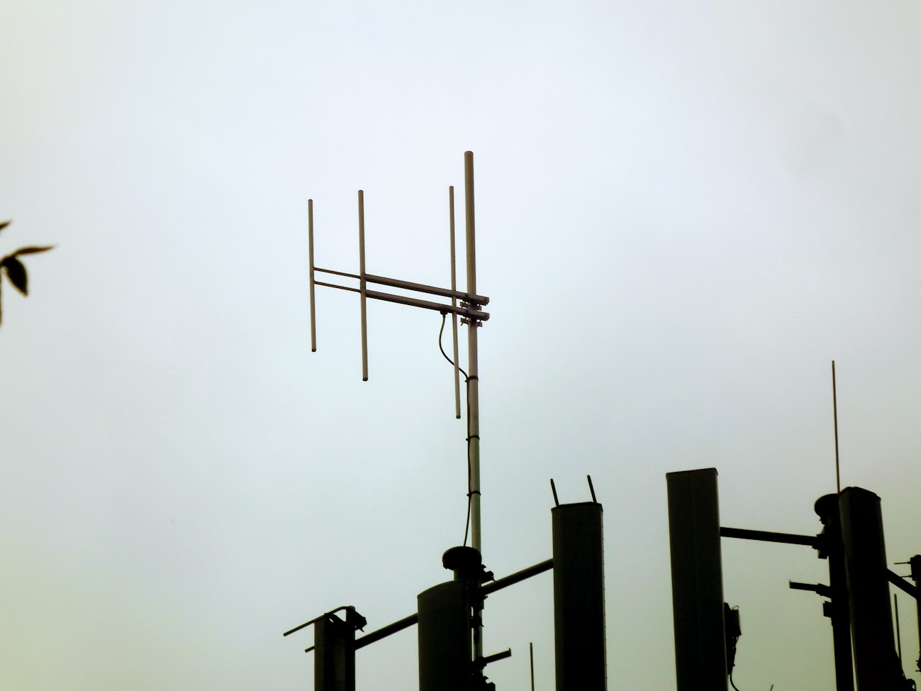 Kecel/víztorony - helyi URH-FM adóállomás