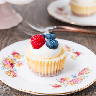 How To Make Mini Cheesecakes (video).