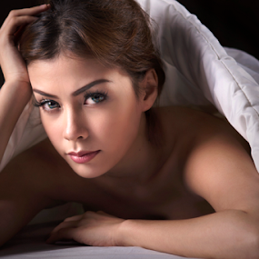 love me like you do by Ivan Lee - People Portraits of Women ( canon, blanket, sexy, model, girl, beauty, pretty, young )