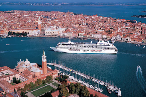 Save up to $2,000 per suite on 2018-19 voyages aboard the lavishly redesigned Crystal Serenity (in Venice, above) or Crystal Symphony.