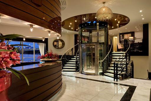 amaviola-lobby.jpg - The lobby and reception area of AmaViola.