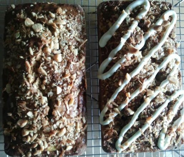 Hawaiian Macadamia Nut Banana Bread Recipe