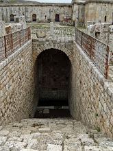 Photo: Apamea, waterwell under the old karavanserai .......... Waterput onder het binnenplein van de karavansarai