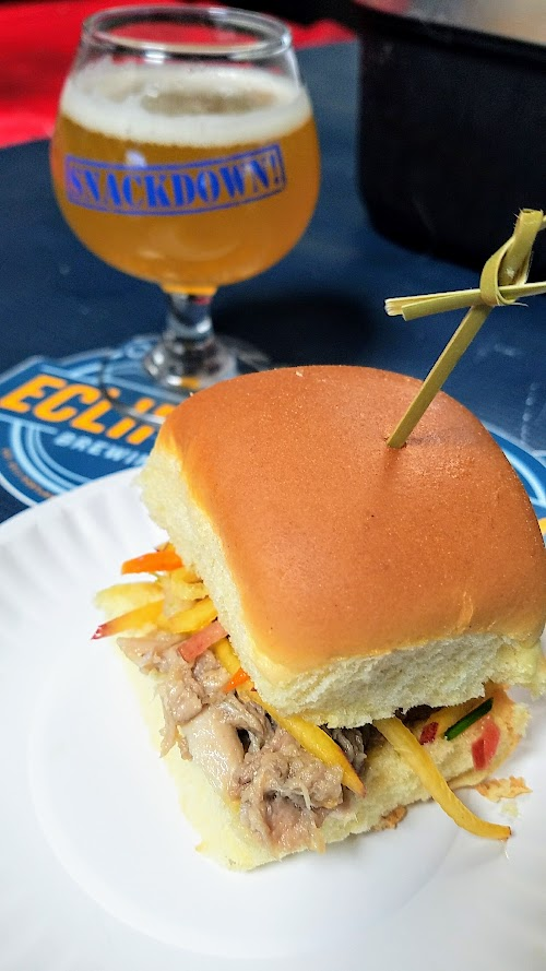 Snackdown 2017 for PDX Beer Week, a food and beer pairing event with a wrestling theme offering 10 Portland chef and 10 Oregon brewers working together. Loyal Legion/Ecliptic presented a Kalua Pork with stone fruit slaw on Hawaiian sweet roll paired with a refreshing Carina Peach Sour.
