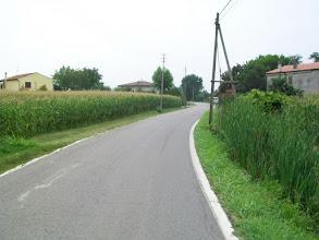 Photo: 19e Dag, maandag 3 augustus 2009 Vertrek: Verona Vertrektijd: 07.00 uur Aankomst: Ferrara Aankomst: 18.00 uur Temp.maximum: graden, Wind: 2 Bfr, Windrichting: z.w. Weerbeeld: warm, zonnig. Afstand totaal: 136,7 km, Tijd: 9:14:51 uur, Gemiddelde: 14.7 ODO totaal: 1535 km De povlakte