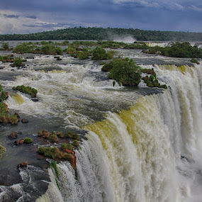 Iguzzu falls by Susan Marshall - Landscapes Waterscapes ( argentina, water, brazil, iguazu, waterfall, landscape,  )