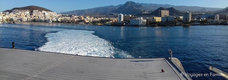 Vue sur Los Cristianos depuis le ferry