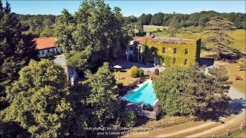 château à Pissotte (85)