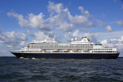 prinsendam-Exterior.jpg -  Holland America's smallest and oldest ship, the 835-passenger Prinsendam should appeal to anyone interested in a more traditional cruise liner experience.