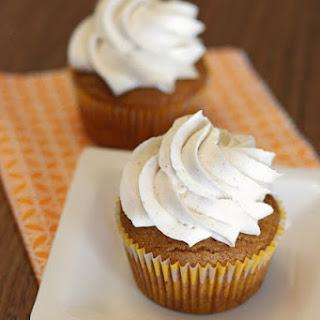 Gluten Free Vegan Pumpkin Spice Cupcakes.
