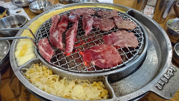 姜虎東678白丁韓式烤肉 由韓國知名綜藝主持人開的店