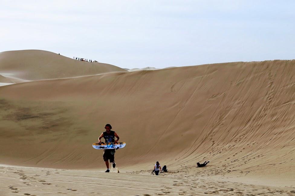 Ica, Huacachina, sandboarding