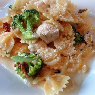 Pasta With Chicken and Broccoli.