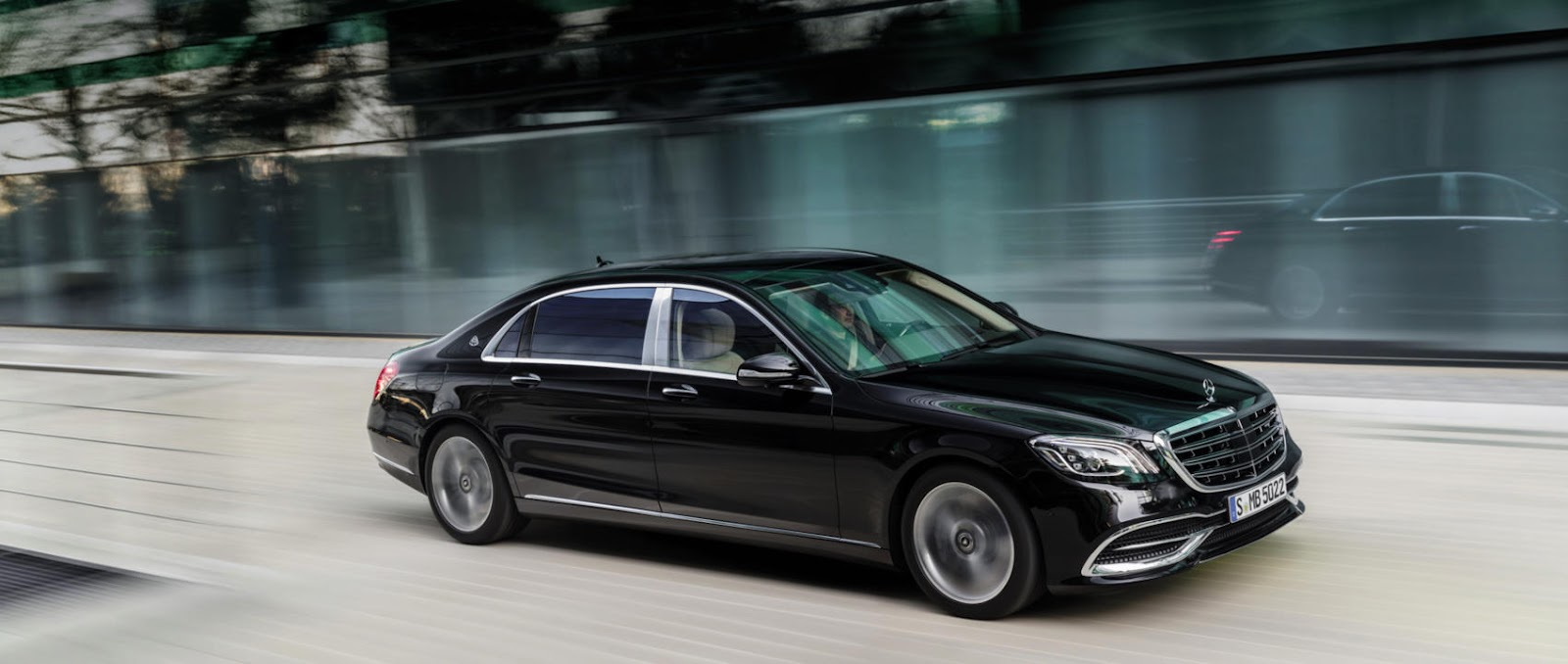 000-mercedes-benz-vehicles-maybach-s-class-560-4matic-x222-3400x1440px-2-1700x720.jpg