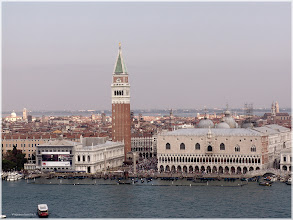 Photo: Plaza de San Marcos desde el campanario de  San Giorgio Maggiore. Venecia. http://www.viajesenfamilia.it