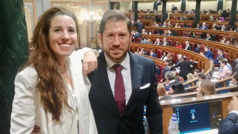 Los dos diputados de Vox, Rocío de Meer y Carlos Fernández.