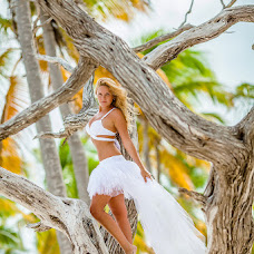 Wedding photographer Antonina Yureva (antonella). Photo of 10.12.2015