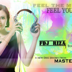 FEEL AND BEAT IT splash colour..Thanks for beautiful pose Riza ..thanks for some idea uda  Dy Andre  for the stunning textures , Romi Alex for giving the splash idea ..FDJ RIZA .. by Berril Pratama - People Musicians & Entertainers