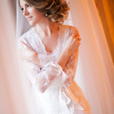 Wedding photographer Viktoriya Savinova (SAVINOVA). Photo of 08.12.2014