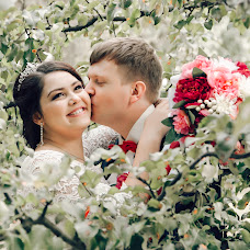 Wedding photographer Irina Kurova (RINA14). Photo of 09.03.2018