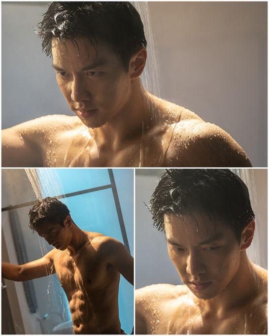lee seung gi shower abs 1