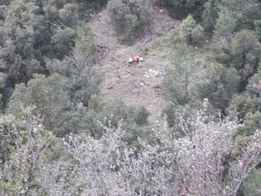 Photo: depuis Castell d'Arget, vue sur le Coll de la Gineste,ou nous avons laissé les sacs pour une petite escalade sportive