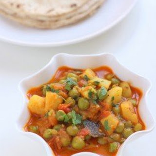 Gujarati Aloo Matar Recipe, Gujarati Style Vatana Batata