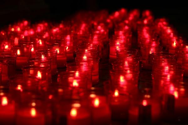 rosso di supplica e preghiera di PC style