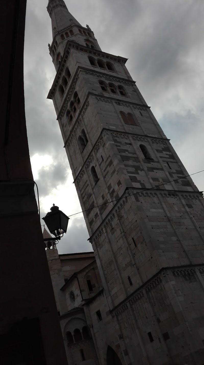 Sotto un cielo grigio l'arte vale ancor di più di M. C