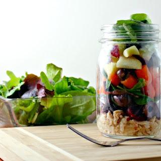 How to Make an Easy Loaded Tuna Mason Jar Salad.