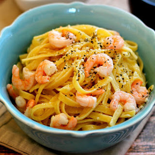 Parmesan Garlic Shrimp Fettuccine