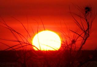 Photo: Darwin - zapad slnka v cervenom alebo povod aboriginskej vlajky? :)
