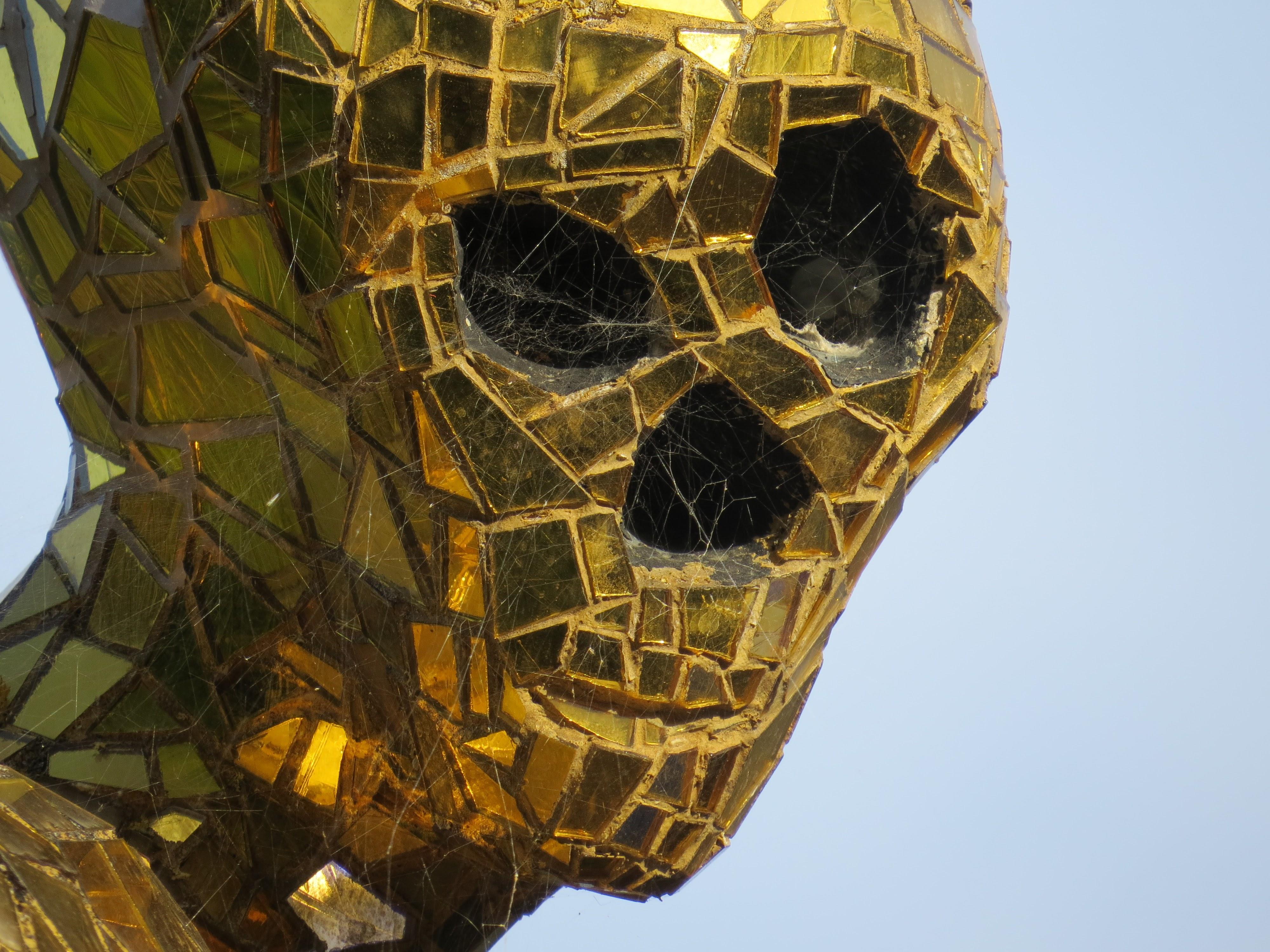 Niki de Saint Phalle, La Morte (dettaglio), Giardino dei Tarocchi, Capalbio