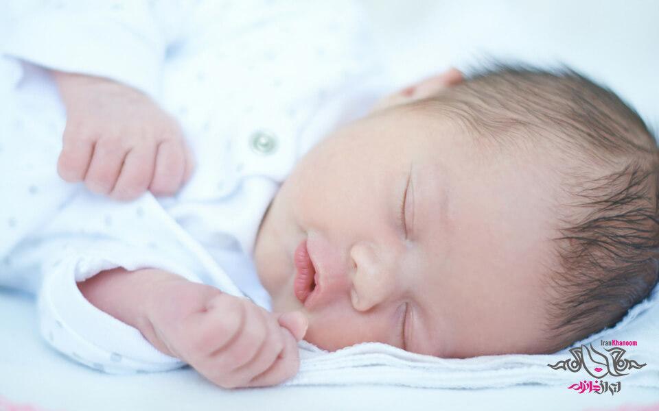جدا خوابیدن کودک از پدر و مادر