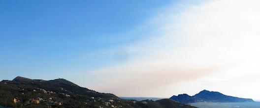 Photo: Monte San Costanzo e isola di Capri da San Giuseppe a Prasiano (Massa Lubrense)