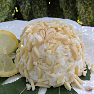 Lemon-Almond Cheesecake Ball