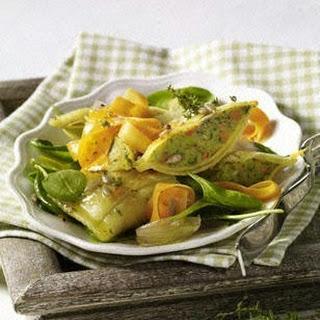 Möhren-Maultaschen-Salat mit Thymian-Vinaigrette