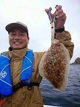 """Photo: 島影に避難。 """"ヤマモトさん""""キャッチは・・・?"""