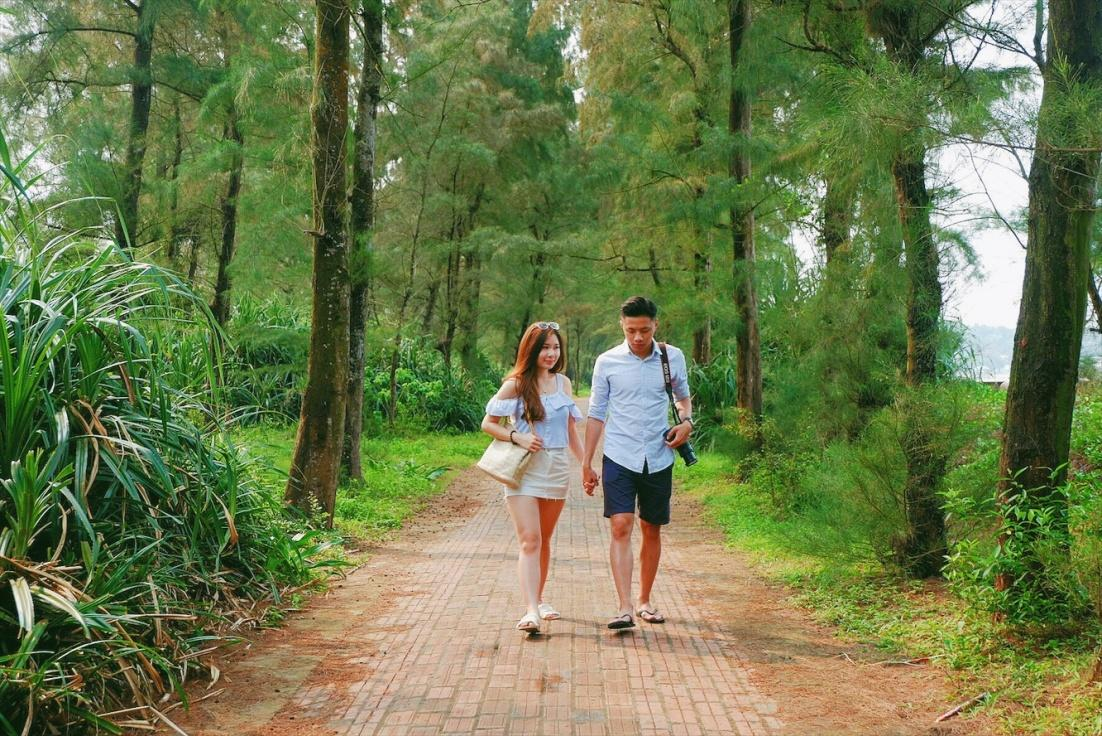 con đường tình yêu trên đảo Cô Tô