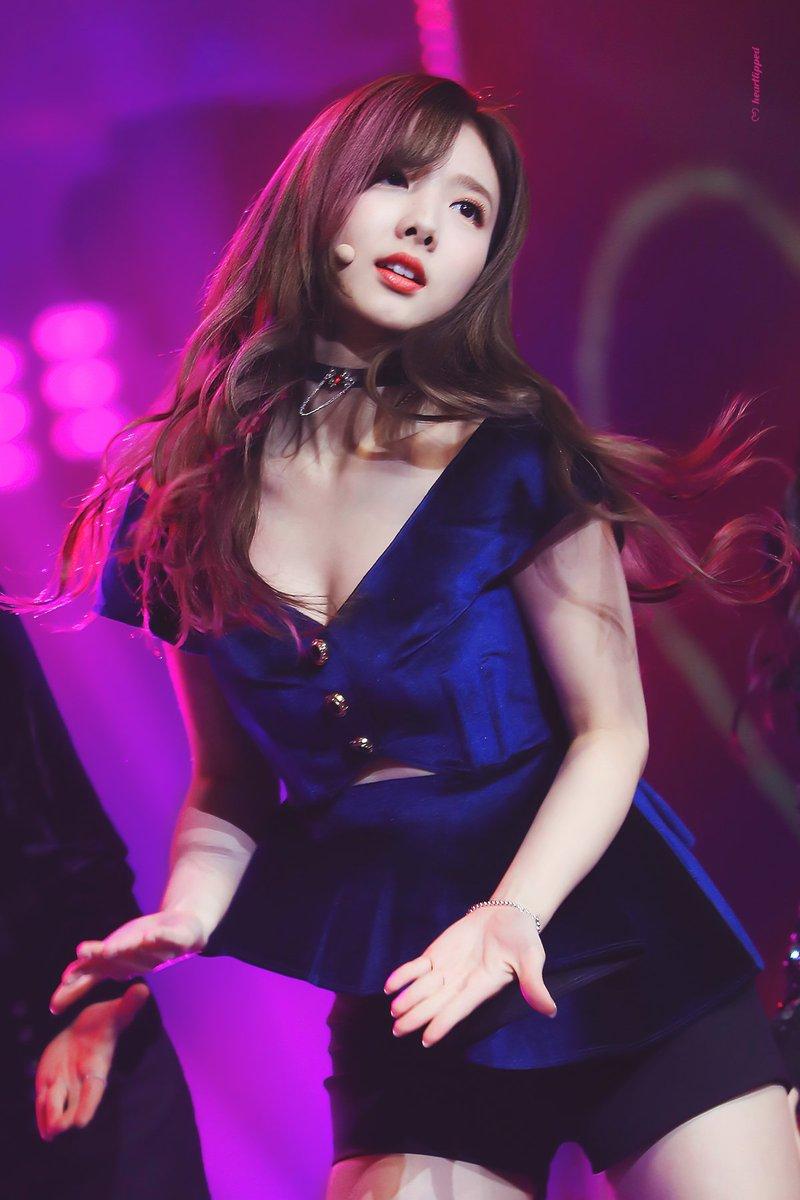 nayeon choker 28