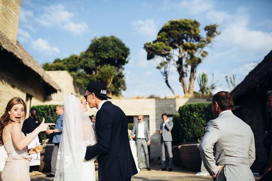 Wedding photographer Vasiliy Tikhomirov (BoraBora). Photo of 23.01.2015