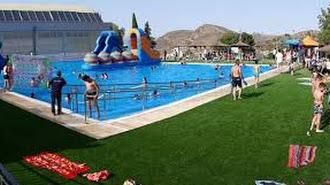 Imagen de archivo de la piscina municipal de Macael.